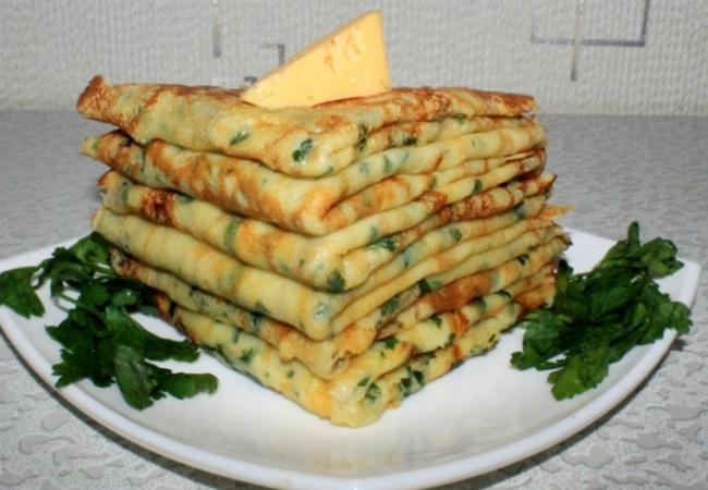 Обычные блины давно надоели: делаем сырные на завтрак и ужин