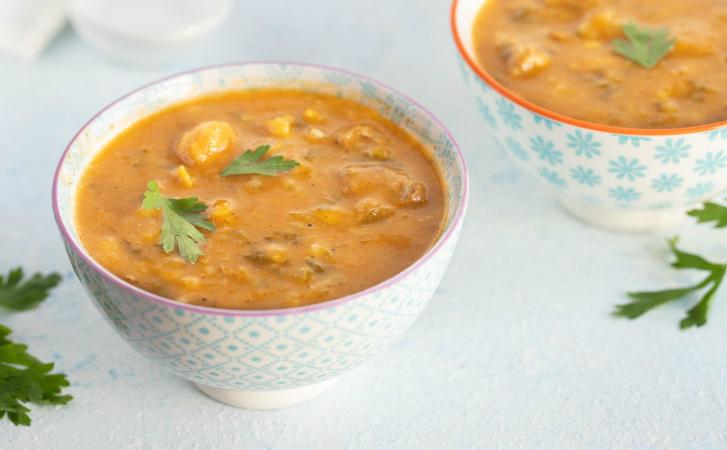 Натерли луковицу и ставим варить: суп без затрат готов за 20 минут