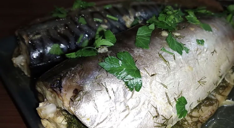 Жарим скумбрию: простая рыба становится как сёмга