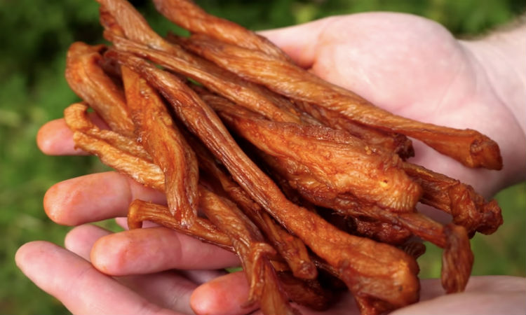 Куриные чипсы: съедают как семечки