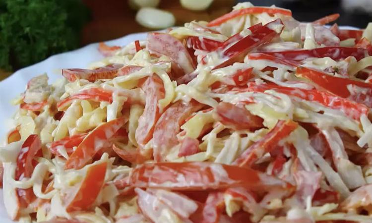 Красное море: вкус удивляет, а состав салата простой