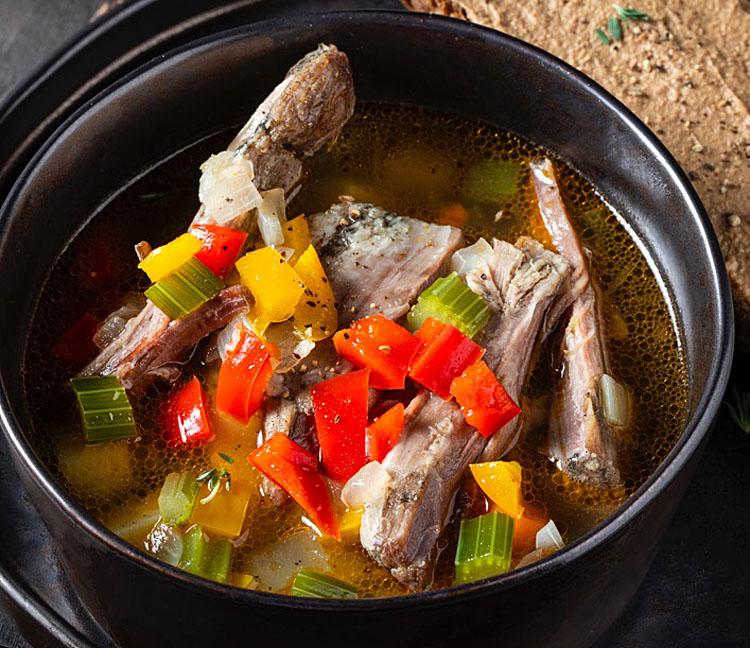 Суп из бараньих ребрышек: превращаем 600 грамм мяса в кастрюлю наваристой похлебки