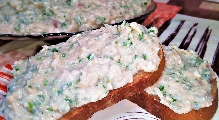 Одна селедка для трех блюд: солим, делаем салат и бутерброды