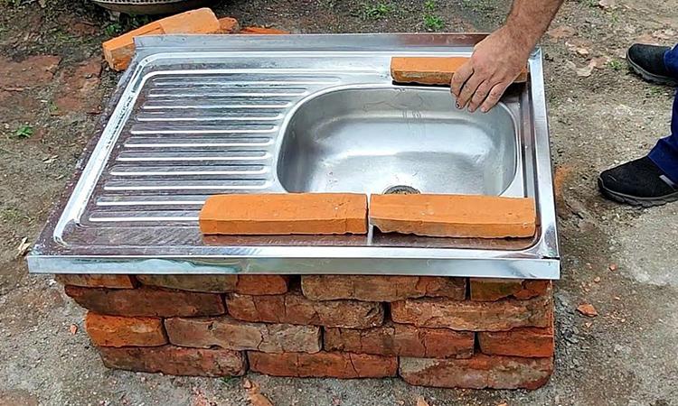 Старую мойку не выбрасываем, а превращаем в многофункциональную дачную печь